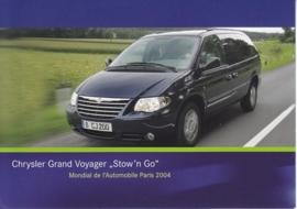 Chrysler Grand Voyager 'Stow 'n Go', A6-size postcard, Paris 2004