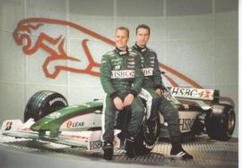Formula 1 race car + 2 drivers, large postcard, 16 x 11 cm, Jaguar-racing set