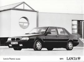 Lancia Thema scuro - factory photo - 09/1991