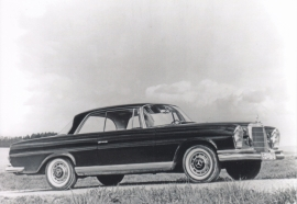 280 SE Coupe, A6-size postcard, issued by Editions Atlas, 2016
