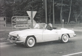 190 SL Cabriolet, A6-size postcard, issued by Editions Atlas, 2016
