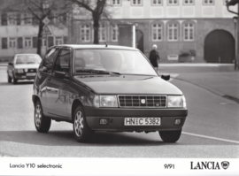 Lancia Y10 selectronic - factory photo - 09/1991