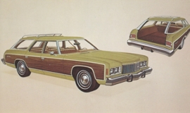 Caprice Estate Station Wagon,  US postcard, standard size, 1974