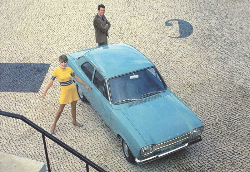 Escort 1969, A6-size postcard for 75 Years Ford Germany, 2000