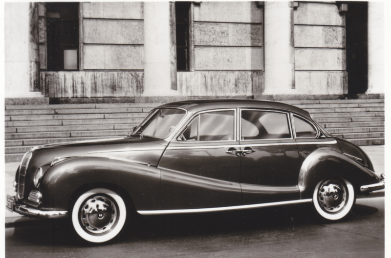 502 V8 Limousine, DIN A6-size photo postcard, 1956-58, 4 languages