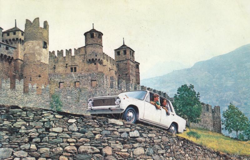 124 Berlina, standard size, Italian postcard, undated, unused, about 1965