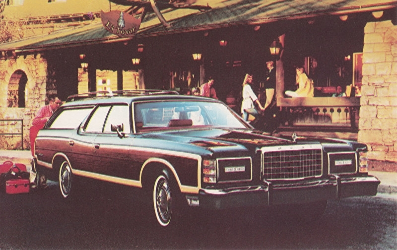 LTD Country Squire Wagon, US postcard, standard size, 1977
