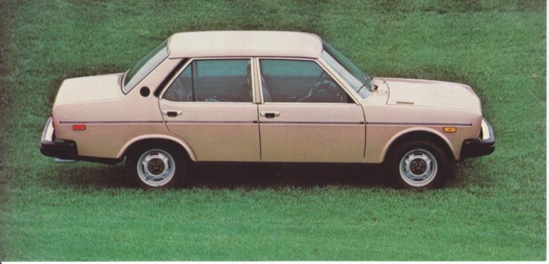131 4-door Sedan, US-issued postcard, size 20,7 x 10 cm, 1977
