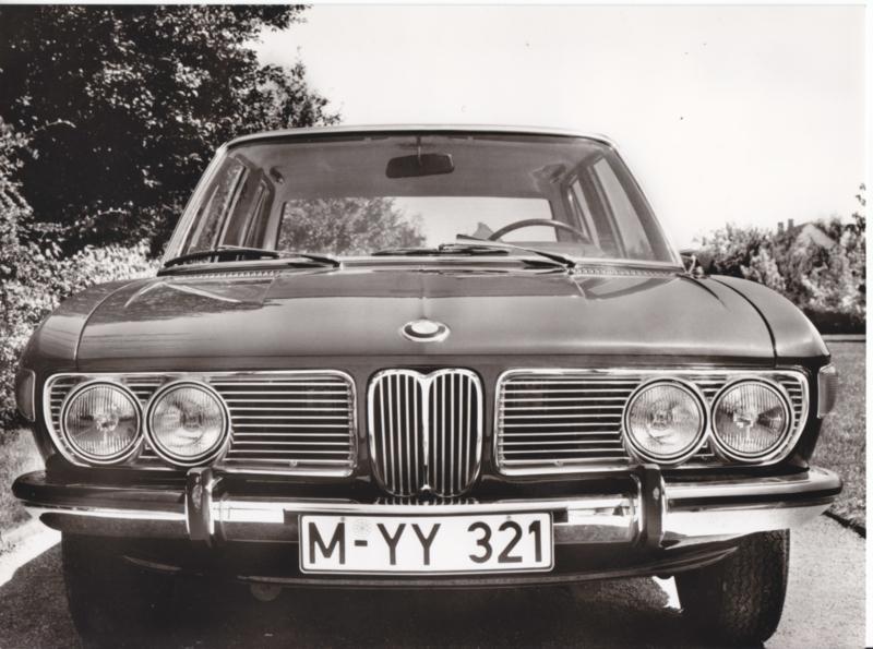 BMW 2500 Sedan - 1969 - German text on the reverse