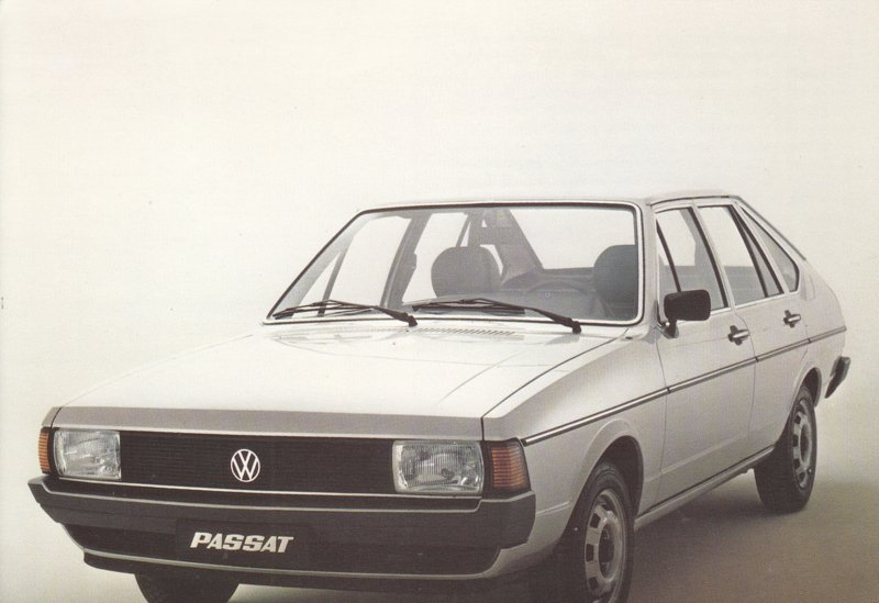 Passat 4-door Hatchback postcard,  A6-size, 1978, Dutch language