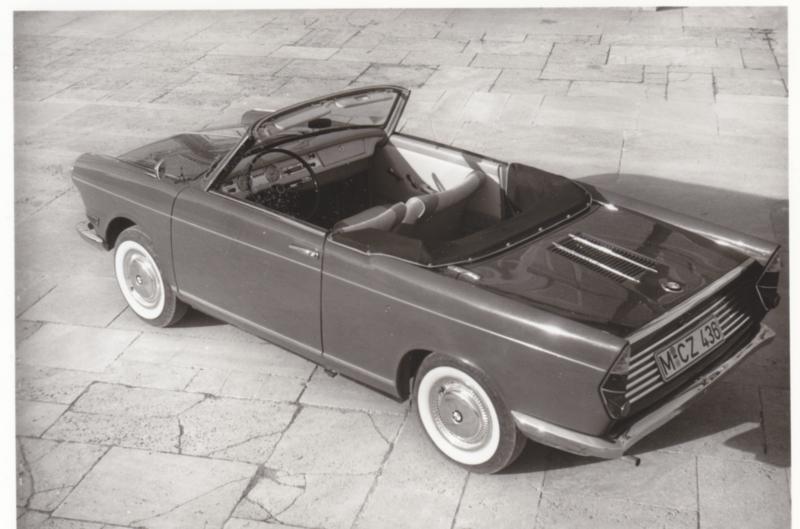 700 Cabrio 2 cyl., DIN A6-size photo postcard, 1961-63, 4 languages