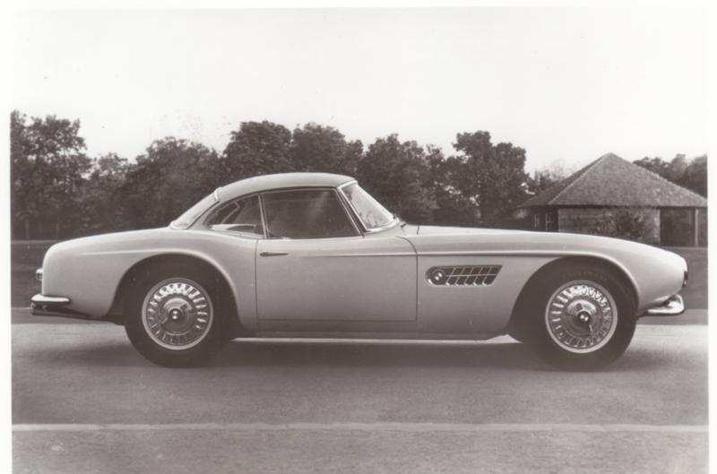 507 V8 Touring Sport, DIN A6-size photo postcard, 1955-60, 4 languages
