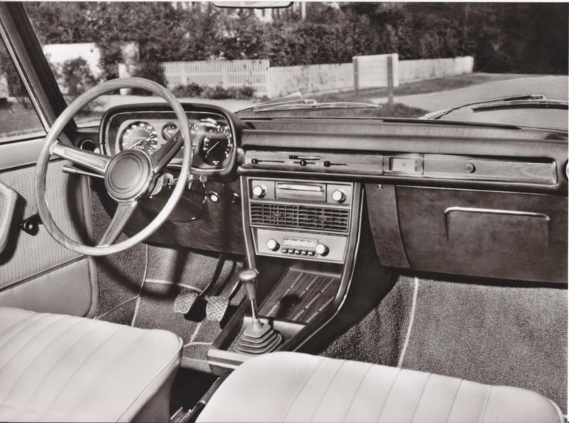BMW 2800 Sedan interior - 1969 - German text on the reverse