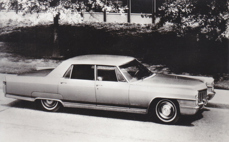 Cadillac Fleetwood Sixty Special Sedan 1965, Spanjersberg, date 465, unnumbered