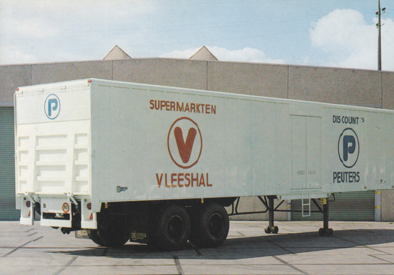 Closed aluminium trailer, DIN A6-size postcard, Dutch issue