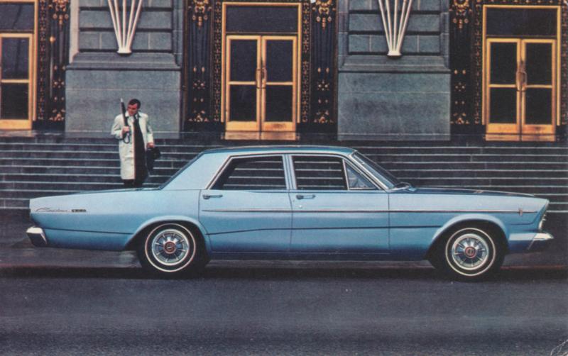 Custom 500 4-door Sedan, US postcard, standard size, 1966