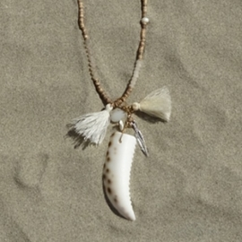 Necklace - tijgertand - Sand in my Shoes