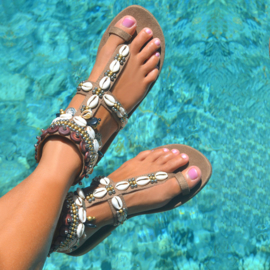 Sandals Mykonos, Taupe - Hot Lava