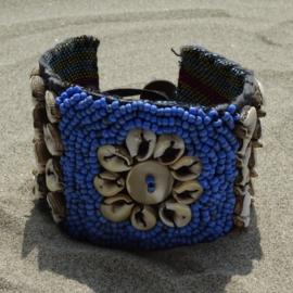 Flower on Ikat beads - Blue - Hot lava