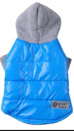 Sportieve winterjas blauw of rood  €17,50