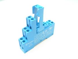 Finder 95.05 relay socket