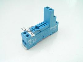 Finder 95.75 relay socket