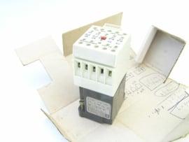 Telemecanique CA2-FN 122 220/240V
