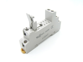 Omron P2RF-08-E Relay socket