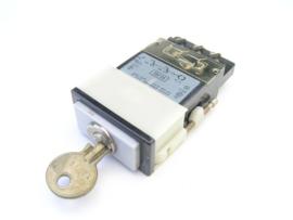 e a o 03-192 Sleutelschakelaar/Key switch