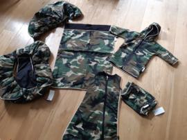 Autostoelhoes en verschoningskleedje Army