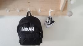 Rugzak hip lettertype (gevulde letters) als 'Noah'