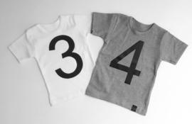Cijfer 4 voor op shirt