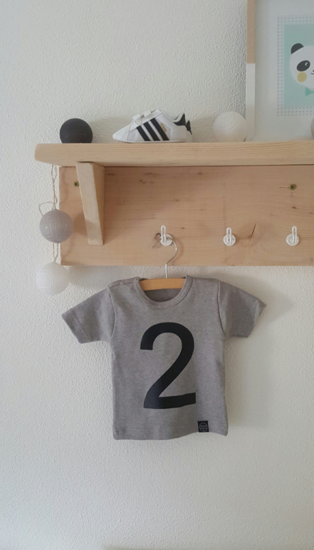 Shirt met cijfer 2