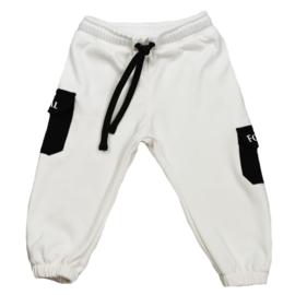 Royal Rebel | Oversized Joggingbroekje | Coconut Cream pockets