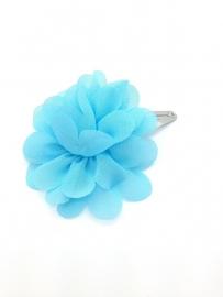 Haarspeldje met chiffonbloem aqua blauw