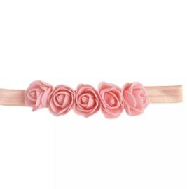 Babyhaarbandje zalmroze met roosjes