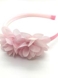 Diadeem met chiffon bloemen lichtroze
