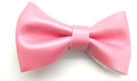 Strikje leder middelgroot roze