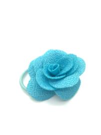 Elastiekje met klein roosje aqua blauw