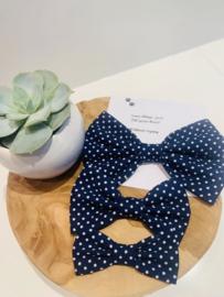 Doggy/cat bow tie marine blauw met witte stipjes