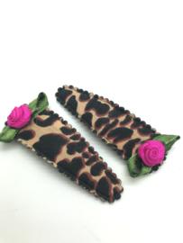 Haarspeldjes leopard met roosjes fushia