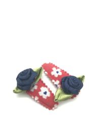 Haarspeldjes rood met bloemenprint en strikjes