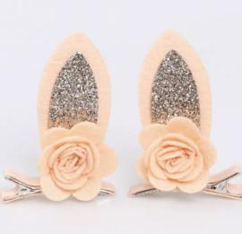 Haarspeldjes schattige oortjes goud glitter met bloem