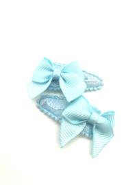 Baby/peuter haarspeldjes lichtblauw  kant met strikjes