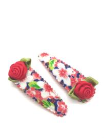 Haarspeldjes bloemenprint rood met roosjes