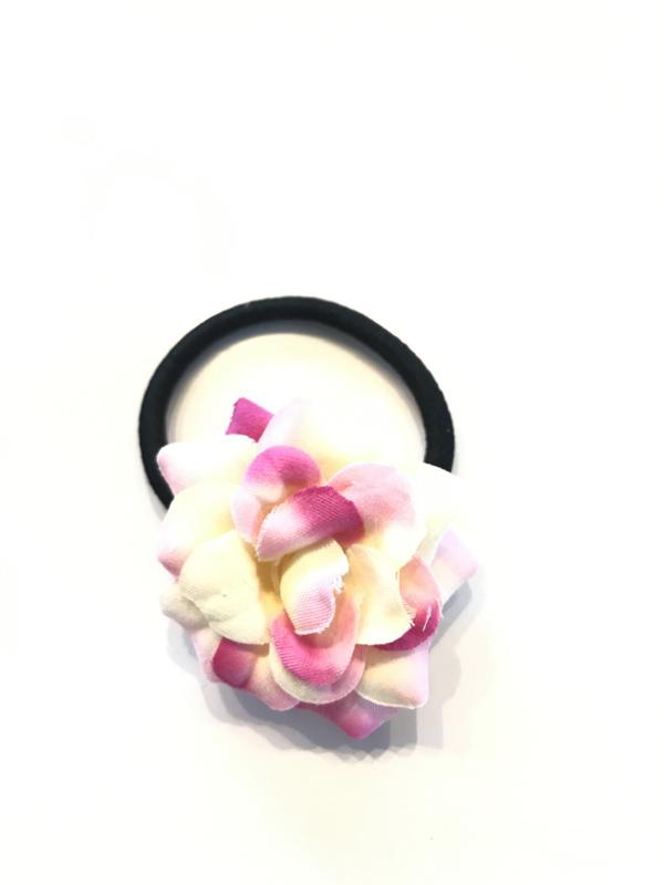 Elastiekje met bloem lichtroze