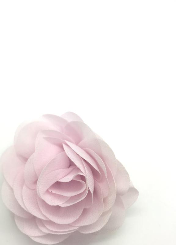Haarspeldje met chiffon roosje lichtroze