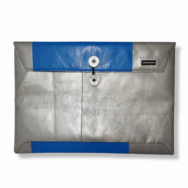 """F421 SLEEVE FOR MACBOOK PRO® 15"""" - 06"""
