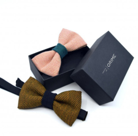 Renate Nederpel - bow tie (plain, available in several colours)