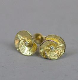 Jeh Jewels oorstekers 14kt goud bloem met diamant
